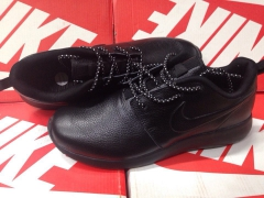 Nike Roshe Run black leather