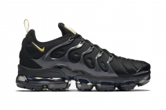 Nike Air VaporMax Plus Black/Gold 1