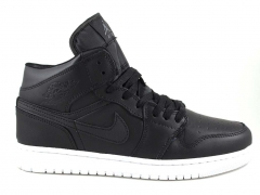 Nike Air Jordan 1 Retro Black/White (натур. мех)